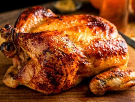Пълнено пиле по турски с ориз и булгур печено на фурна - снимка на рецептата